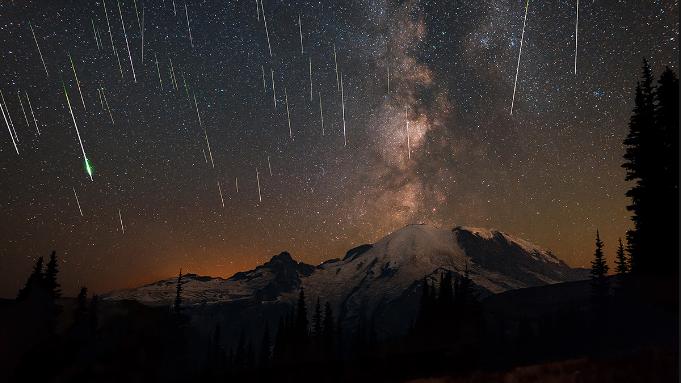 Meteor Yağmuru İçin Gökyüzünü İzlemeyi Unutmayın !