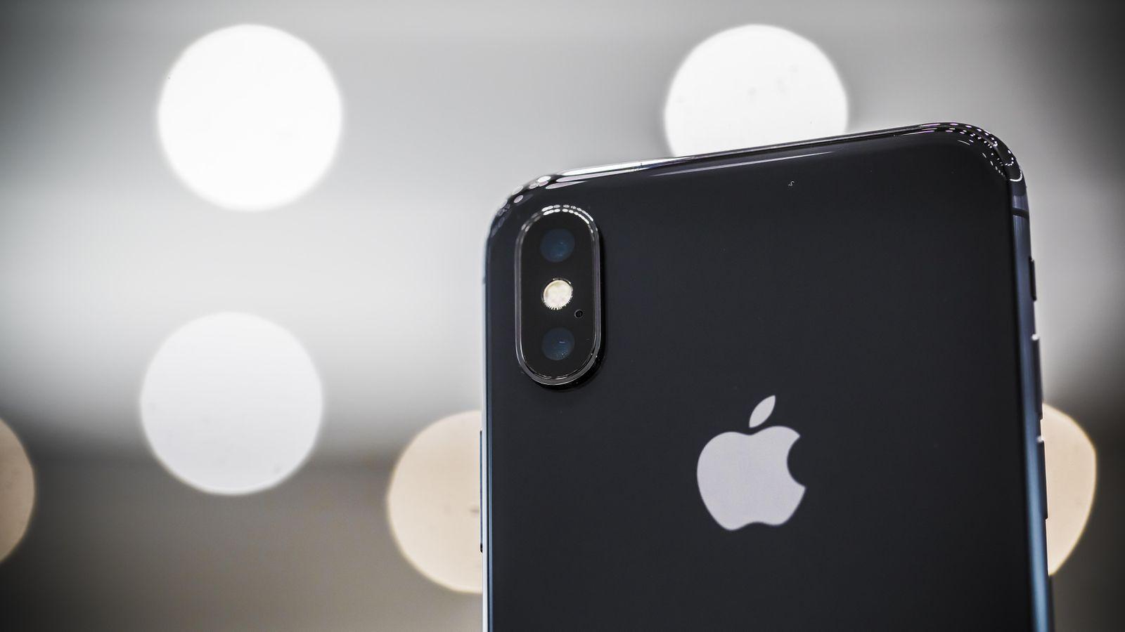 Yeni iPhone Nasıl Olacak ? Çentik Olacak Mı ?